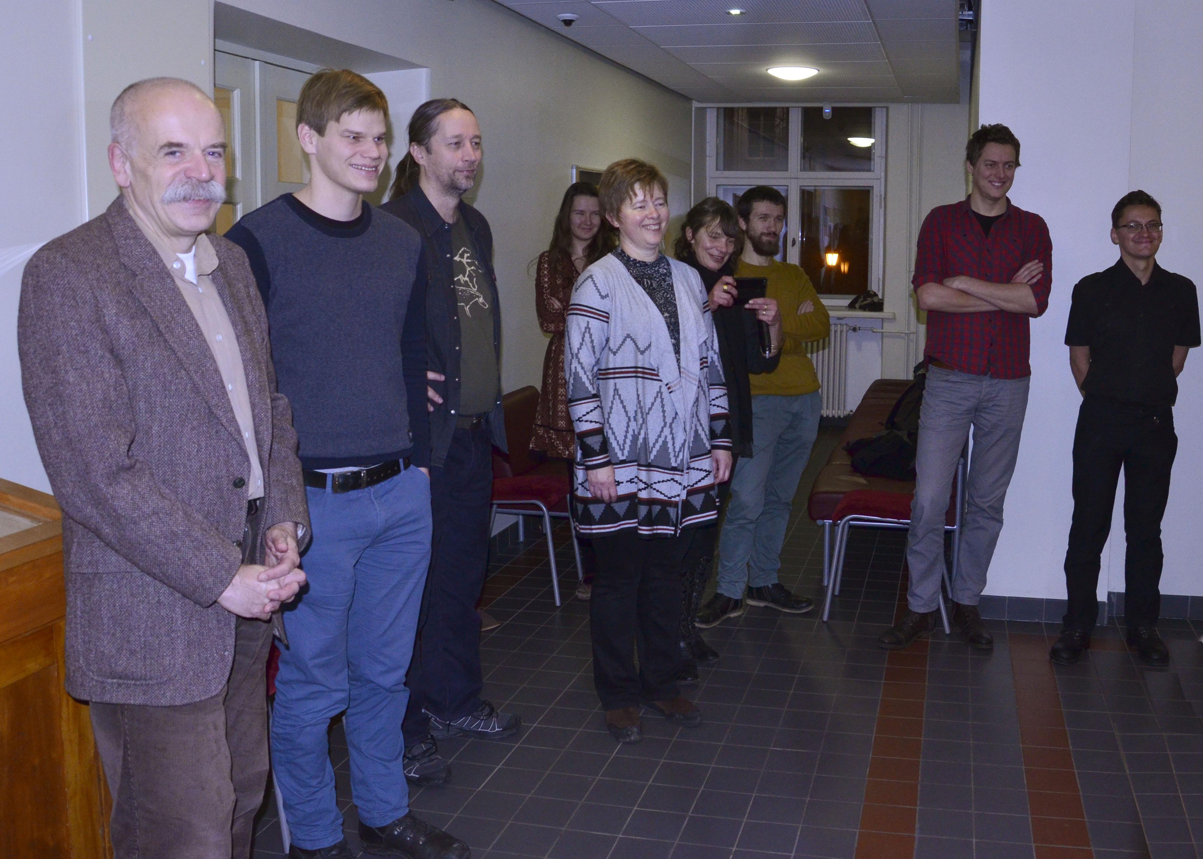 Suurenenud osa valkudest Foto koos meeste liikme suurustega